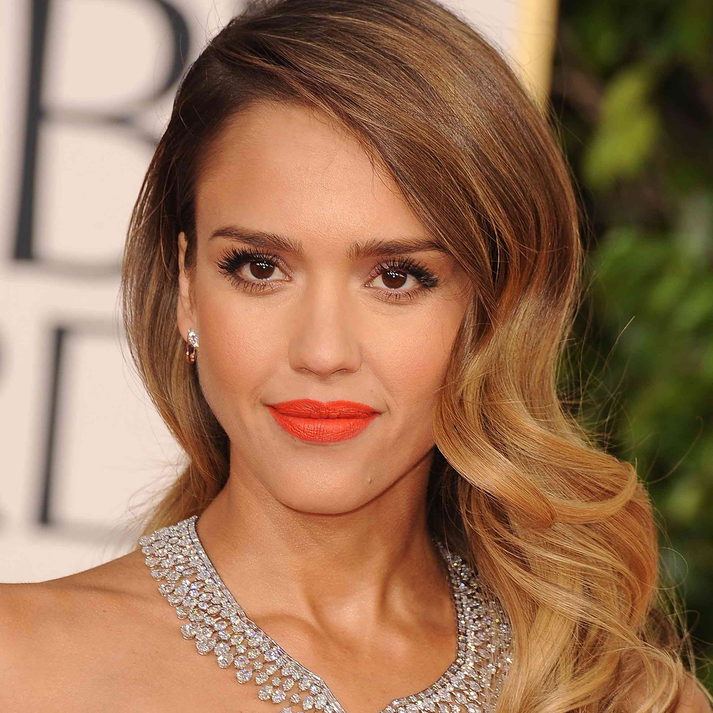 Makeup Looks for Brown Eyes Orange Lipstick Jessica Alba