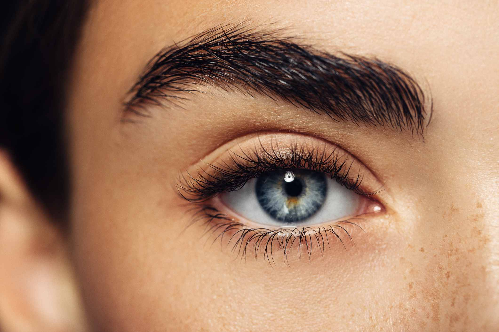 Tweeze Your Way to a Perfectly Shaped Eyebrow With These Tips