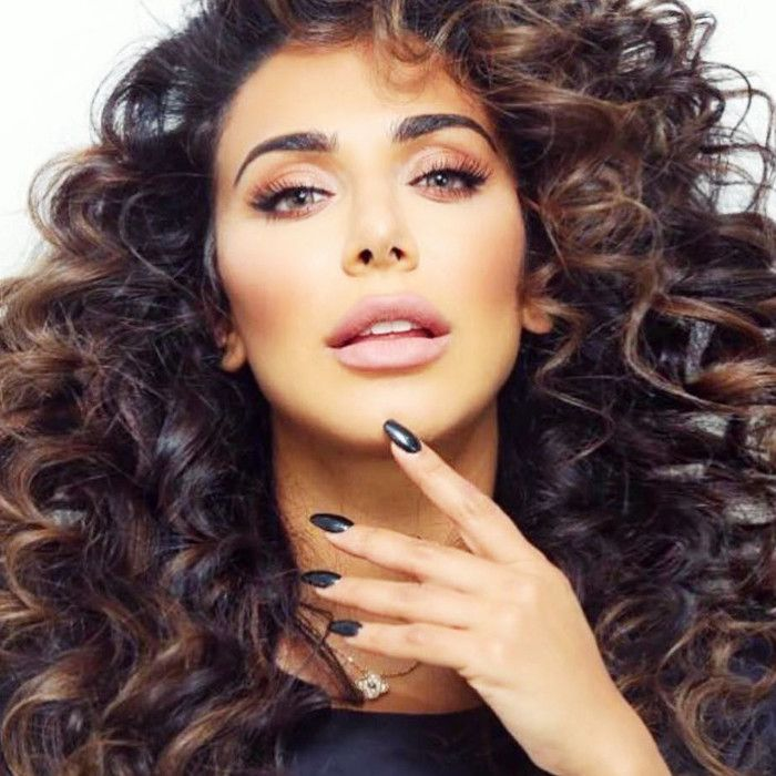 Huda Beauty Lashes Review