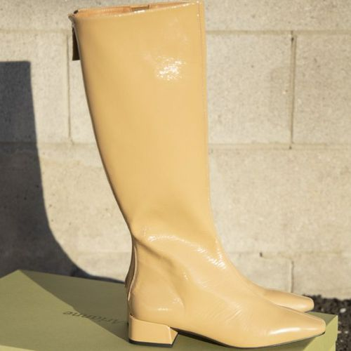 About Arianne Cordelia Boots
