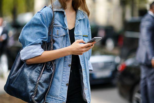 model texting