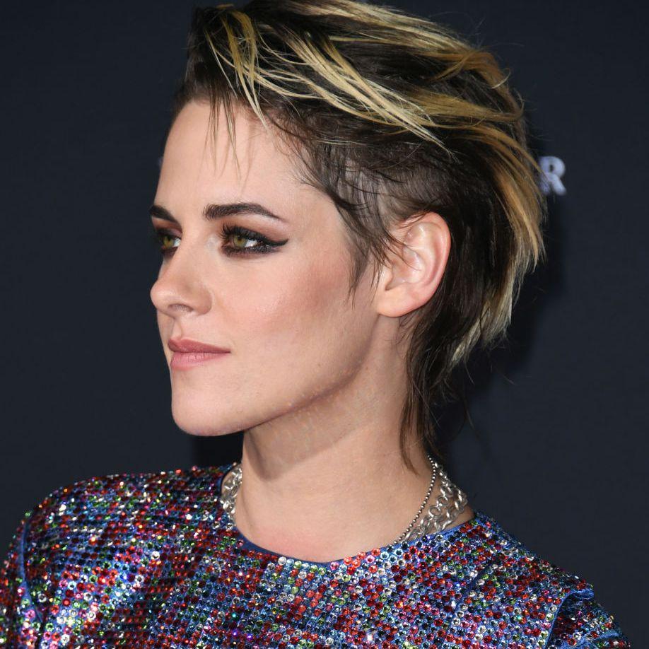 Kristen Stewart chic mullet with blonde highlights