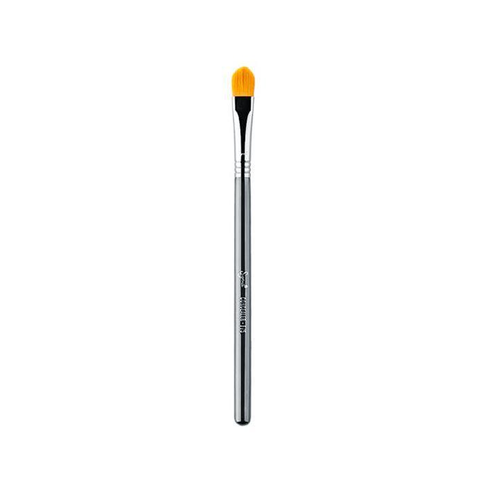 best makeup brushes: Sigma Beauty F75 Concealer Brush