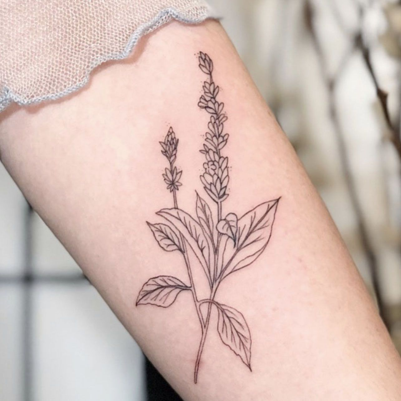 Everything You Should Know Before Getting a Stick-and-Poke Tattoo