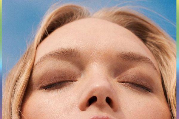 woman wearing cream eyeshadow