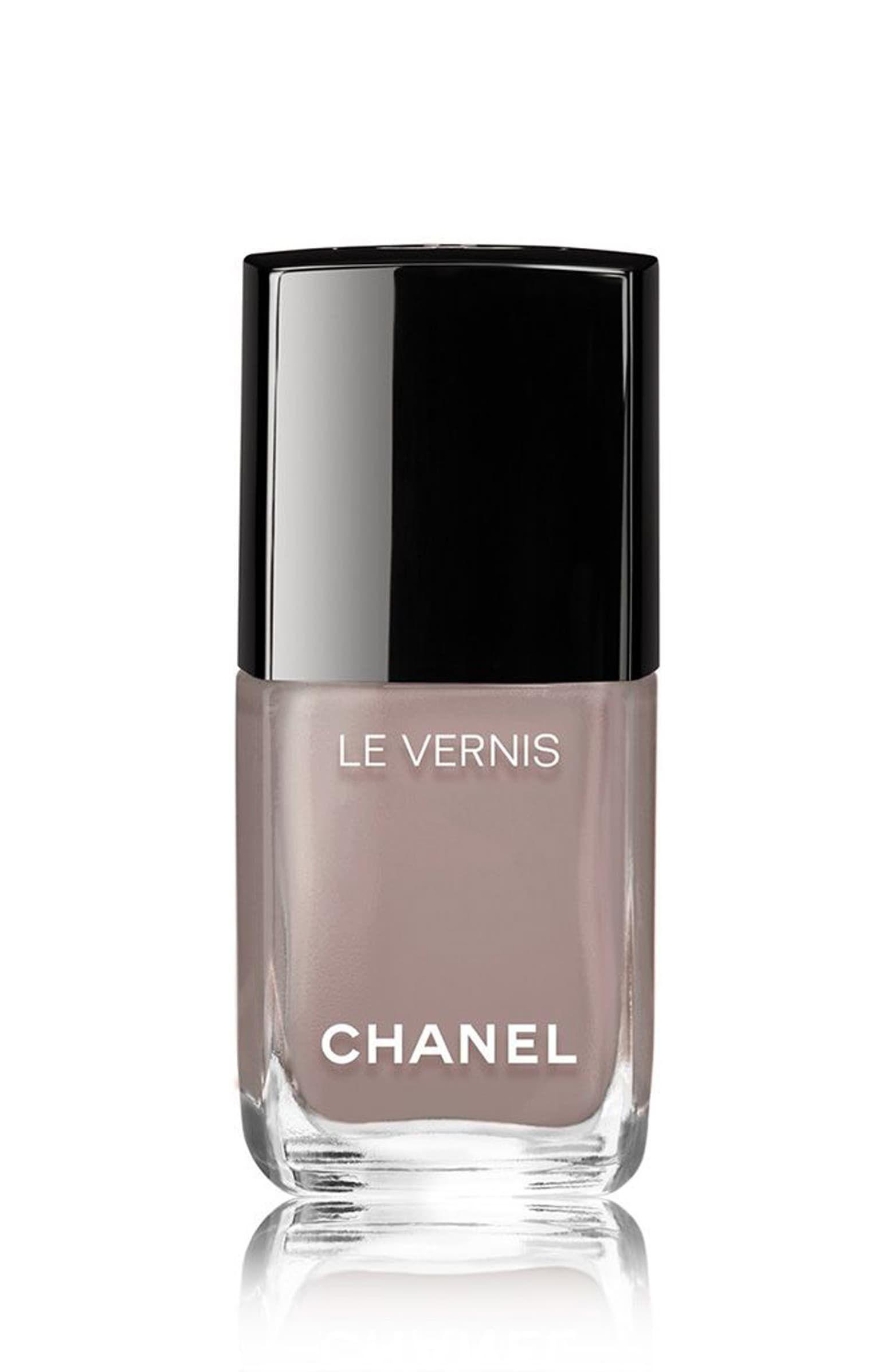 Chanel Le Vernis Grey Nail Polish