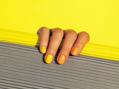 warm summery nails