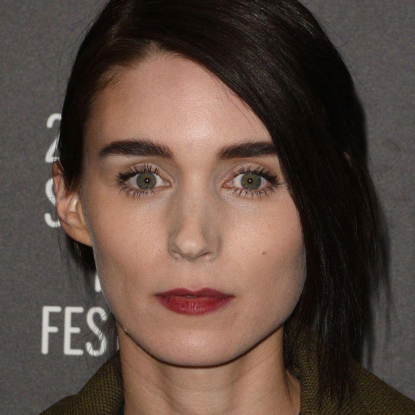 Rooney Mara asymmetrical hairstyle