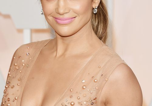 Jennifer Lopez on red carpet at 87th Annual Academy Awards
