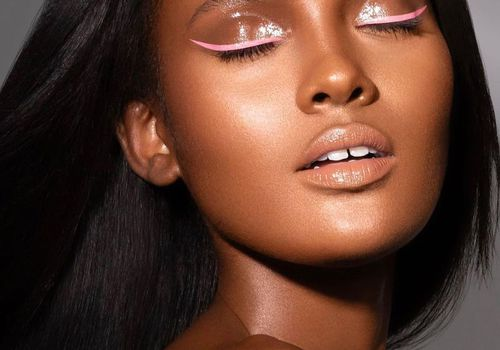 Model with pink liner