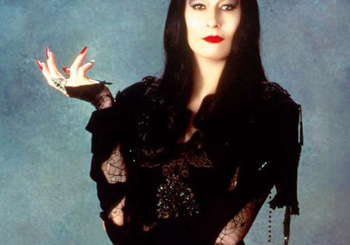 addams family Morticia