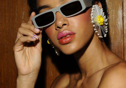 Model Backstage - Bronzer/Blush