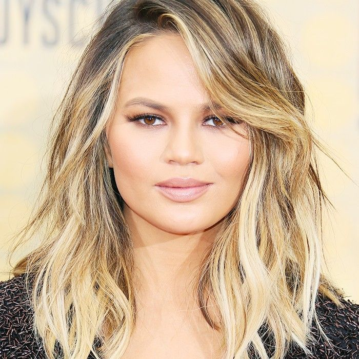 18 Flattering Haircuts For Round Faces