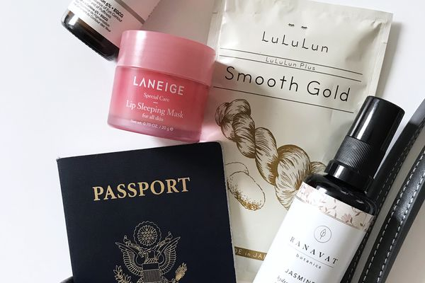 The 8 Best In-Flight Skincare Products for Traveling