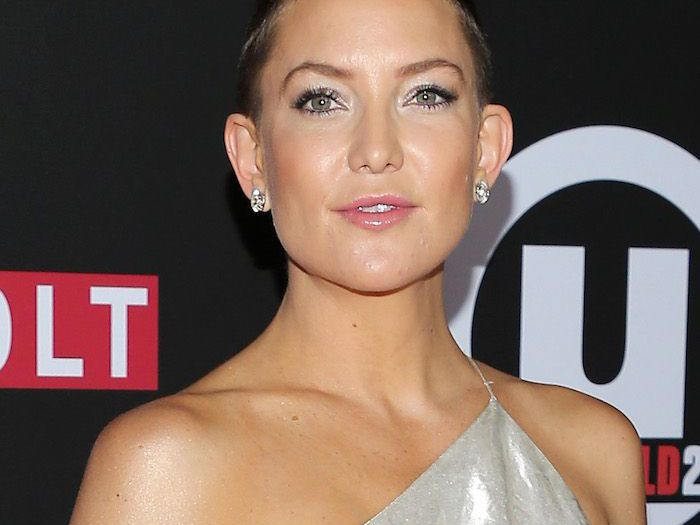 Kate Hudson Premiered Her Buzz Cut On The Red Carpet