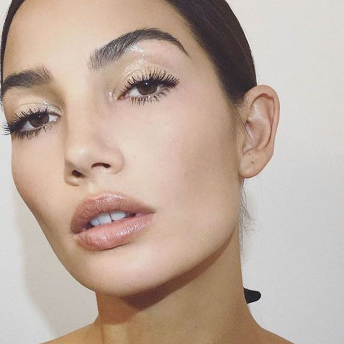 Lily Aldrige Gloss Makeup