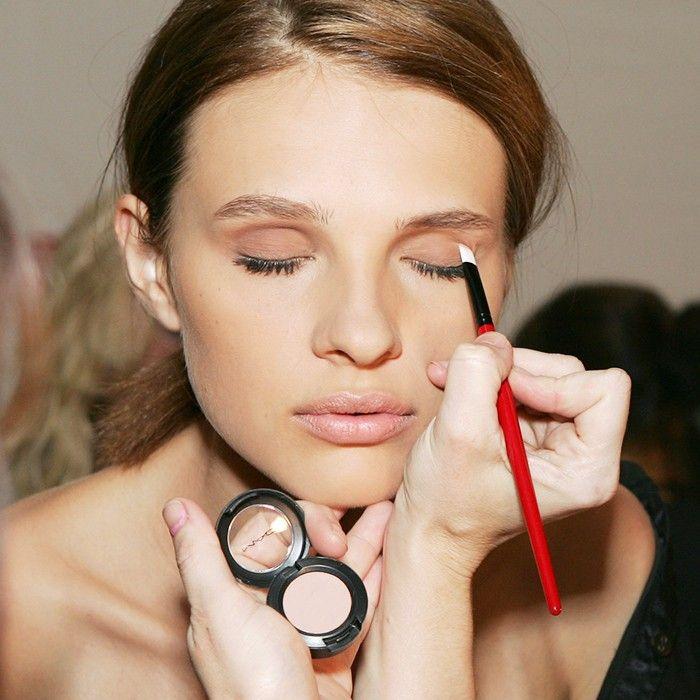makeup etiquette