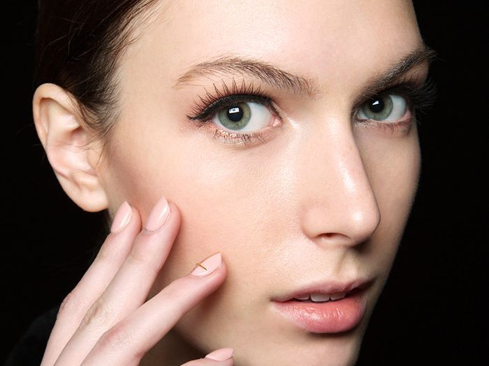 113bcbb54b5 The Best (and Worst) Makeup for Eyelash Extensions