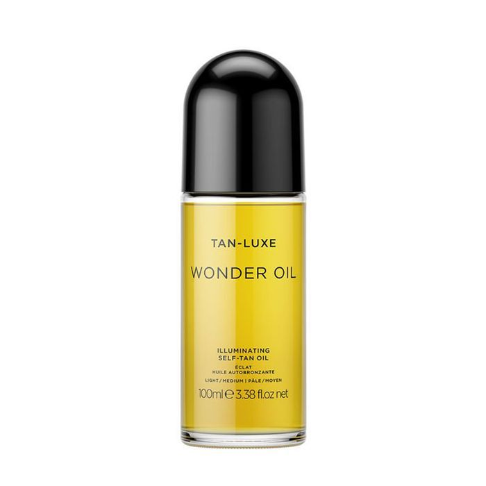 how to apply fake tan: Tan Luxe Wonder Oil