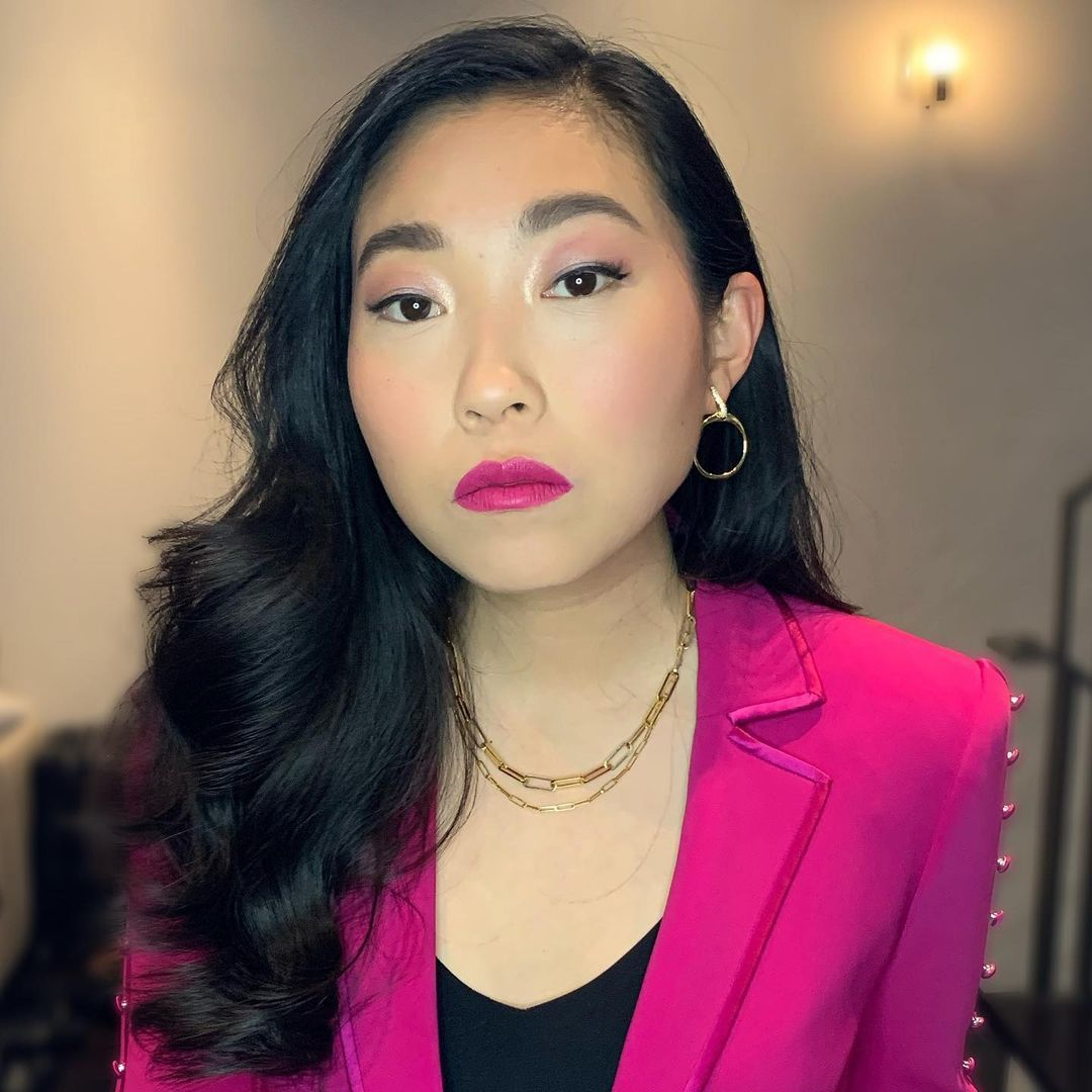 Awkwafina in pink makeup