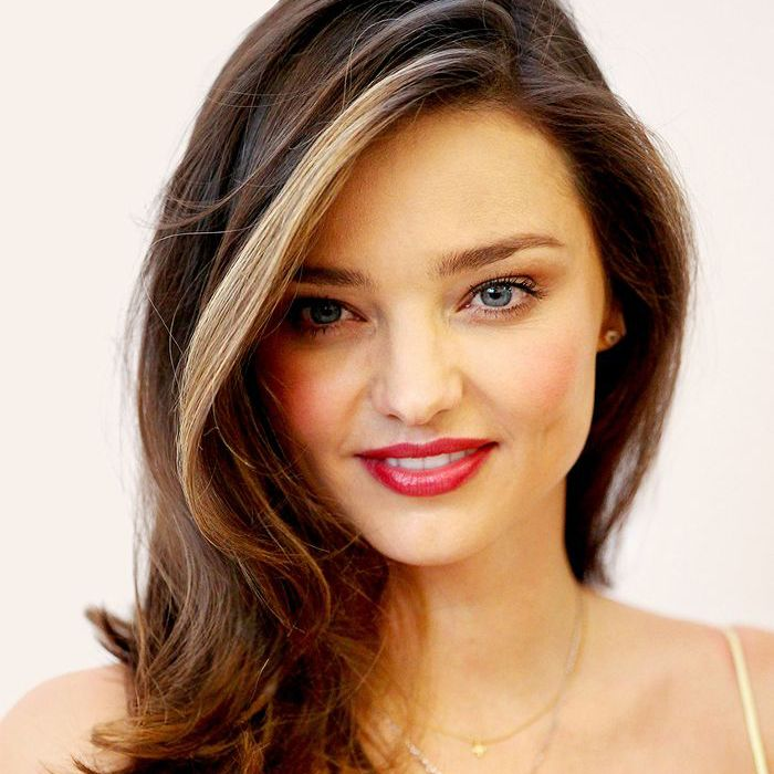 30 Medium Length Layered Haircuts To Inspire Your Fall Vibe