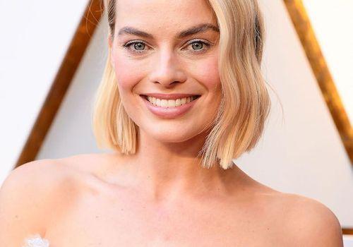 Margot Robbie wavy, blunt bob