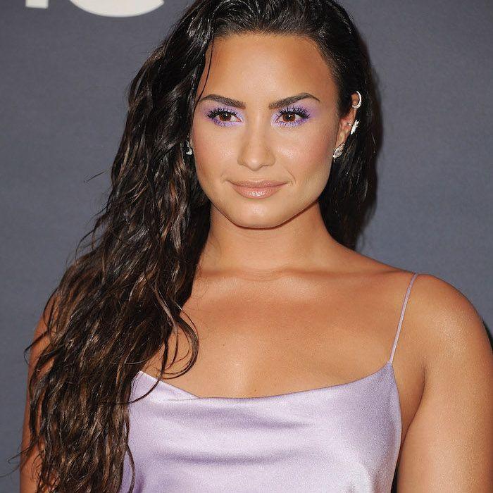 Demi Lovato long, wet, wavy hair