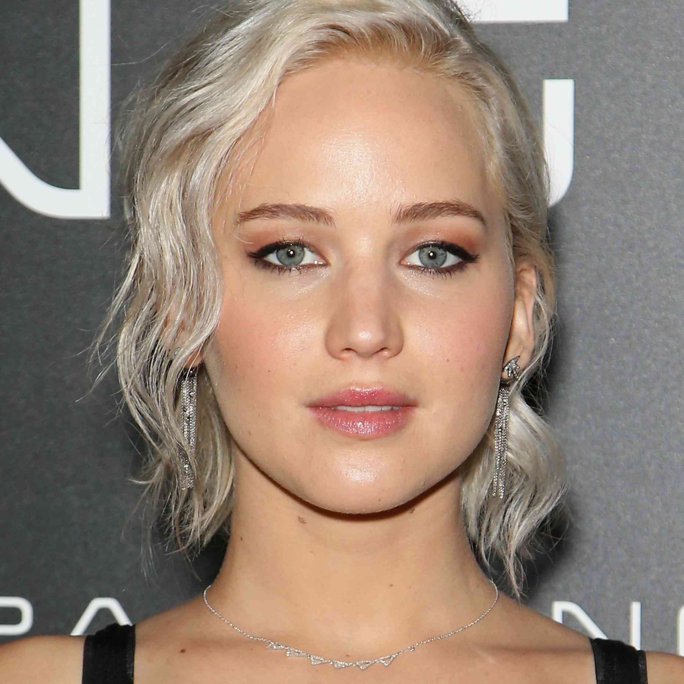Jennifer Lawrence - Long Pixie Cut