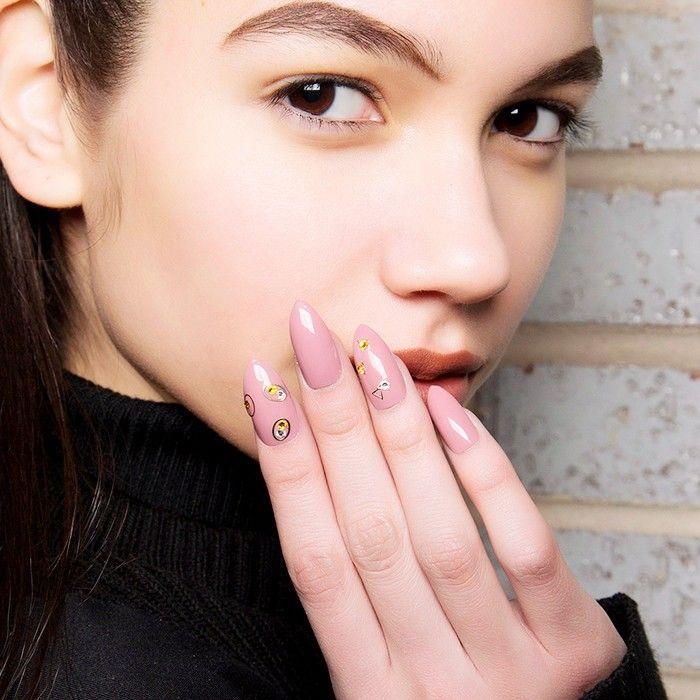 nail polish horoscop