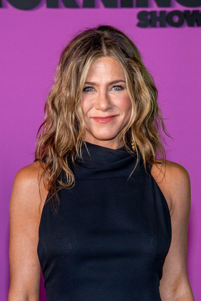 Jennifer Aniston lived-in waves