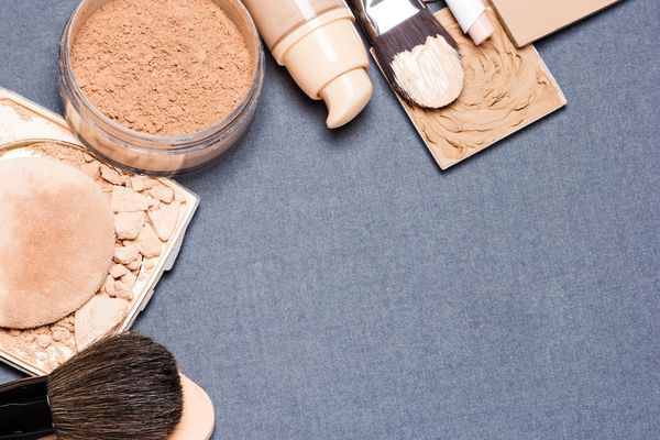 Non-branded foundation and concealer products