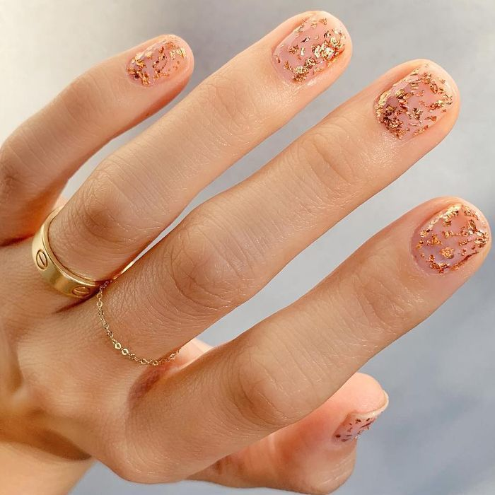 The Best Glitter Nails to Give You All The Festive Inspo
