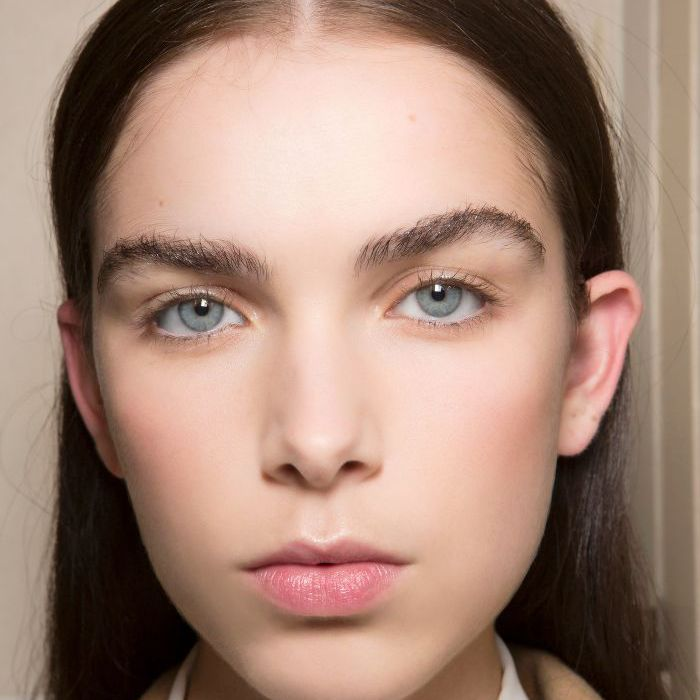 How to Groom Eyebrows Professionally