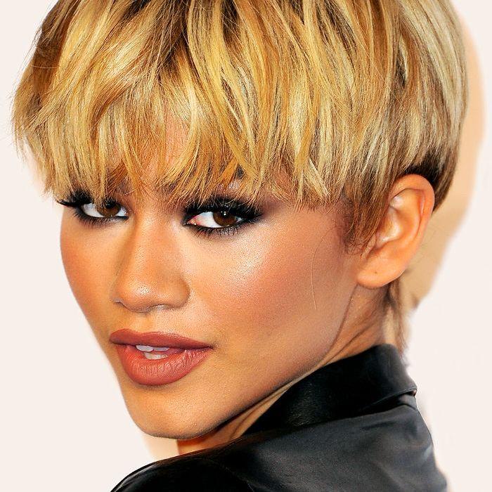 Zendaya blonde pixie