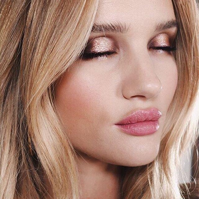 Rosie Huntington-Whiteley - Makeup