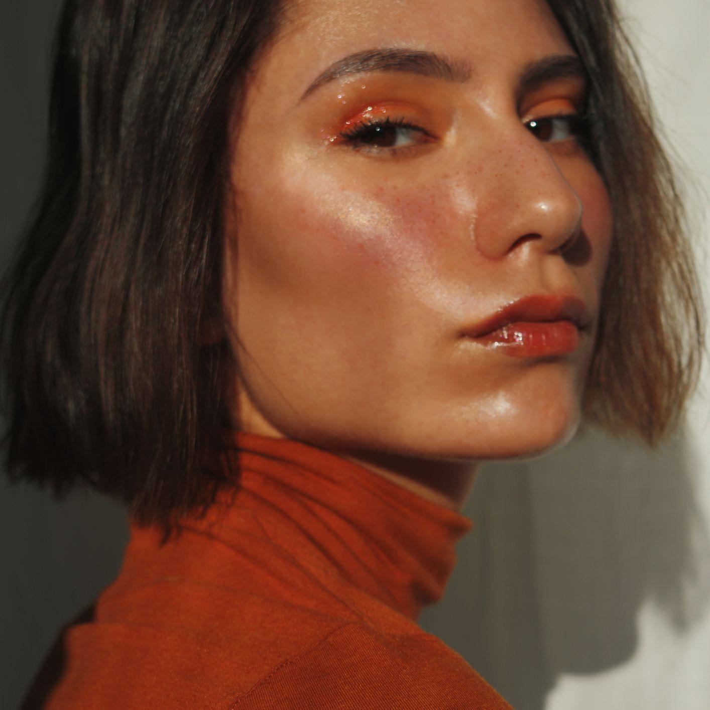 woman with orange eyeshadow
