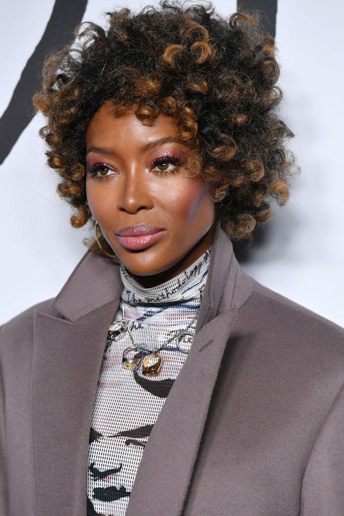 Naomi Campbell curly crop