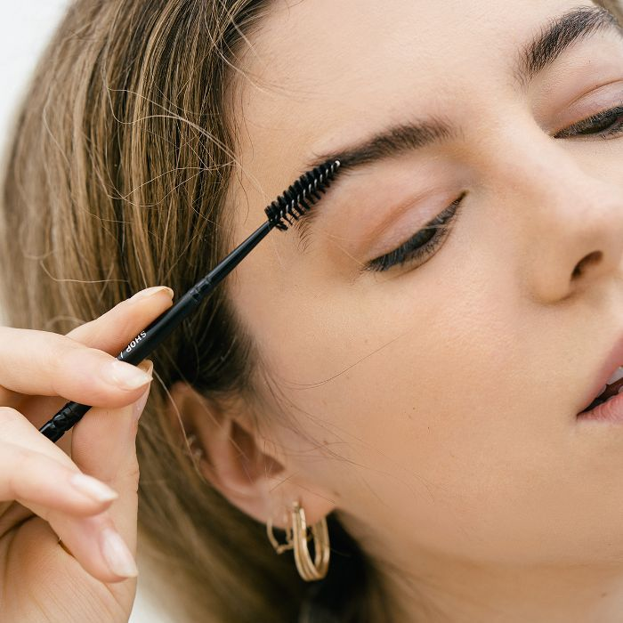 How I Tint My Brows at Home