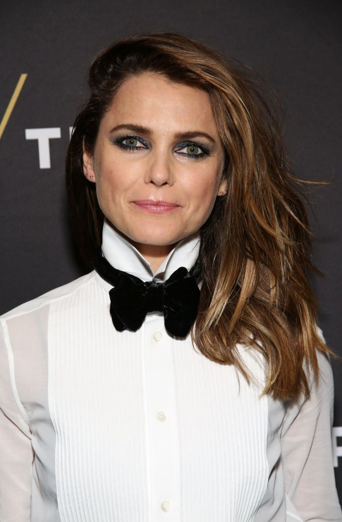 Keri Russell deep side-parted mid-length hair and smokey eye