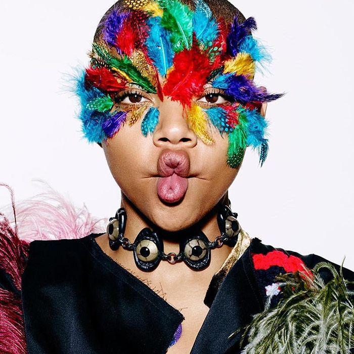 Peacock-inspired Halloween makeup