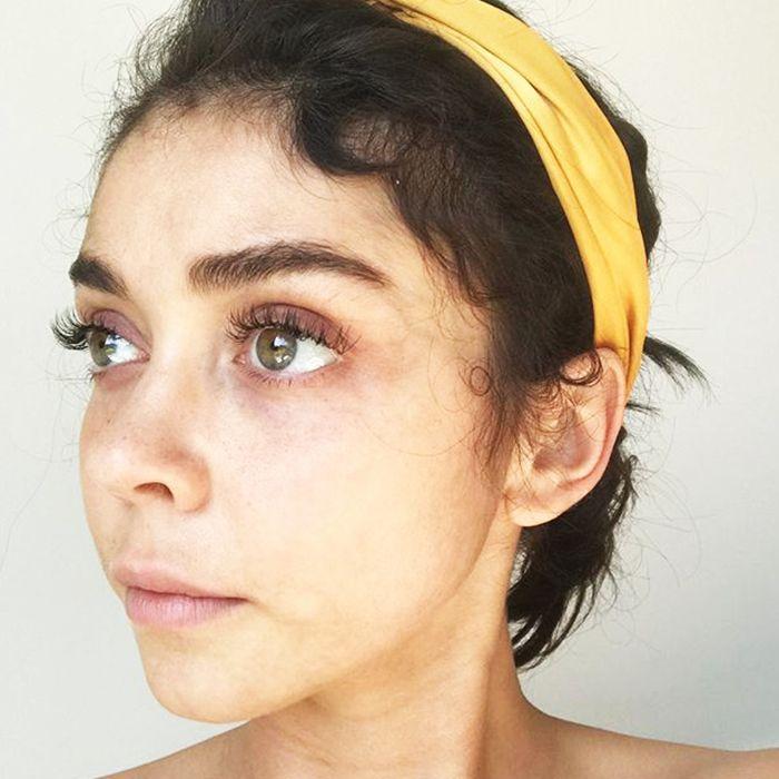 Sarah Hyland's Makeup-Free Selfie