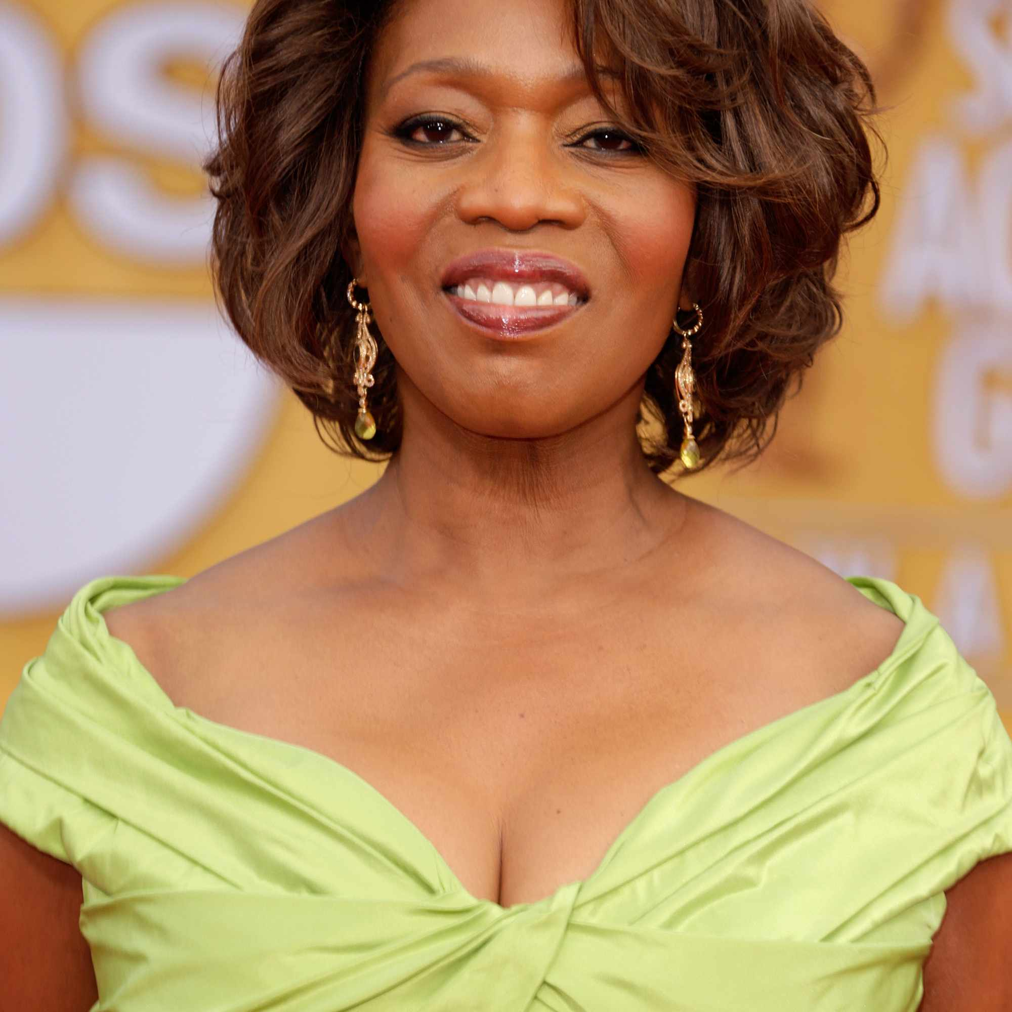 5 Classic and Cool Short Hairstyles for Older Women
