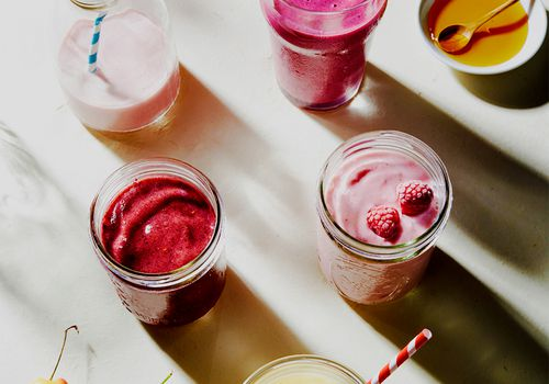 smoothies on countertop
