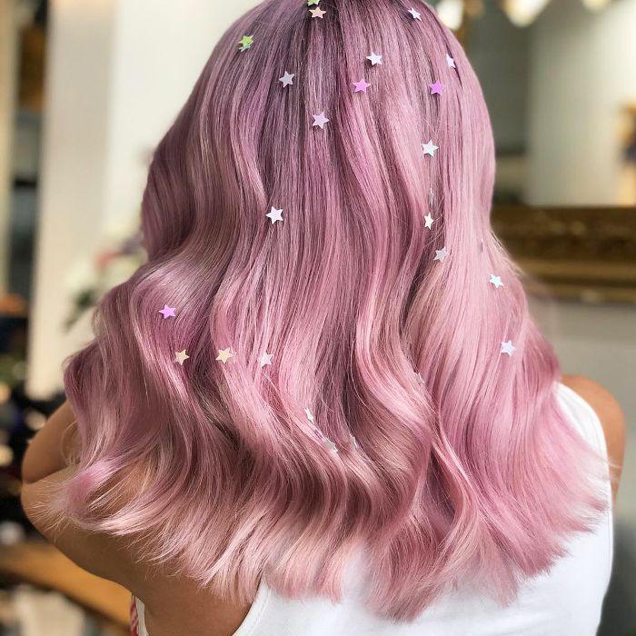 hair glitter ideas - scattered stars throughout hair