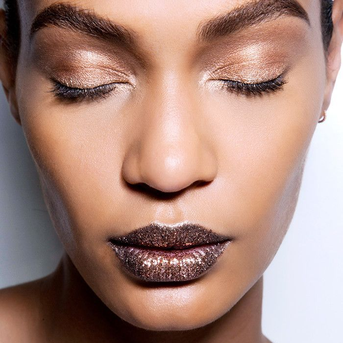 7 New Year's Eve Makeup Ideas That Take Less Than 5 Minutes