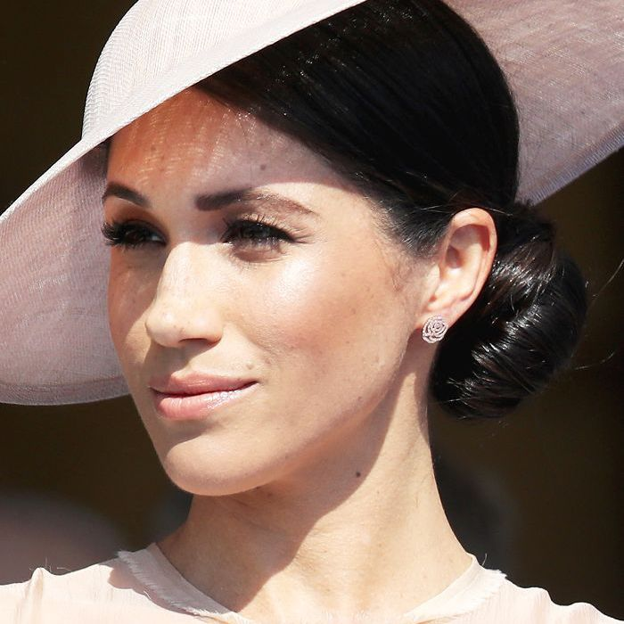 Meghan Markle low bun: Meghan Markle wearing pink hat