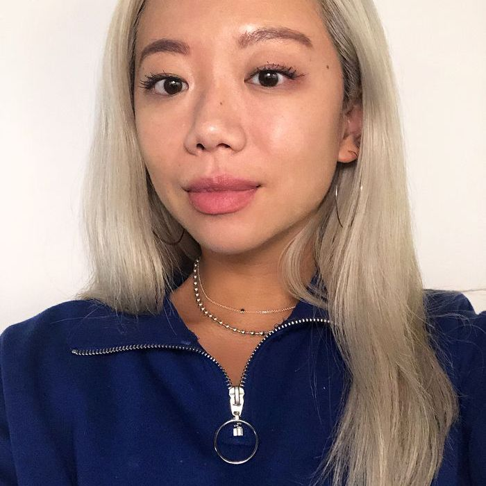 Faith Xue selfie with foundation