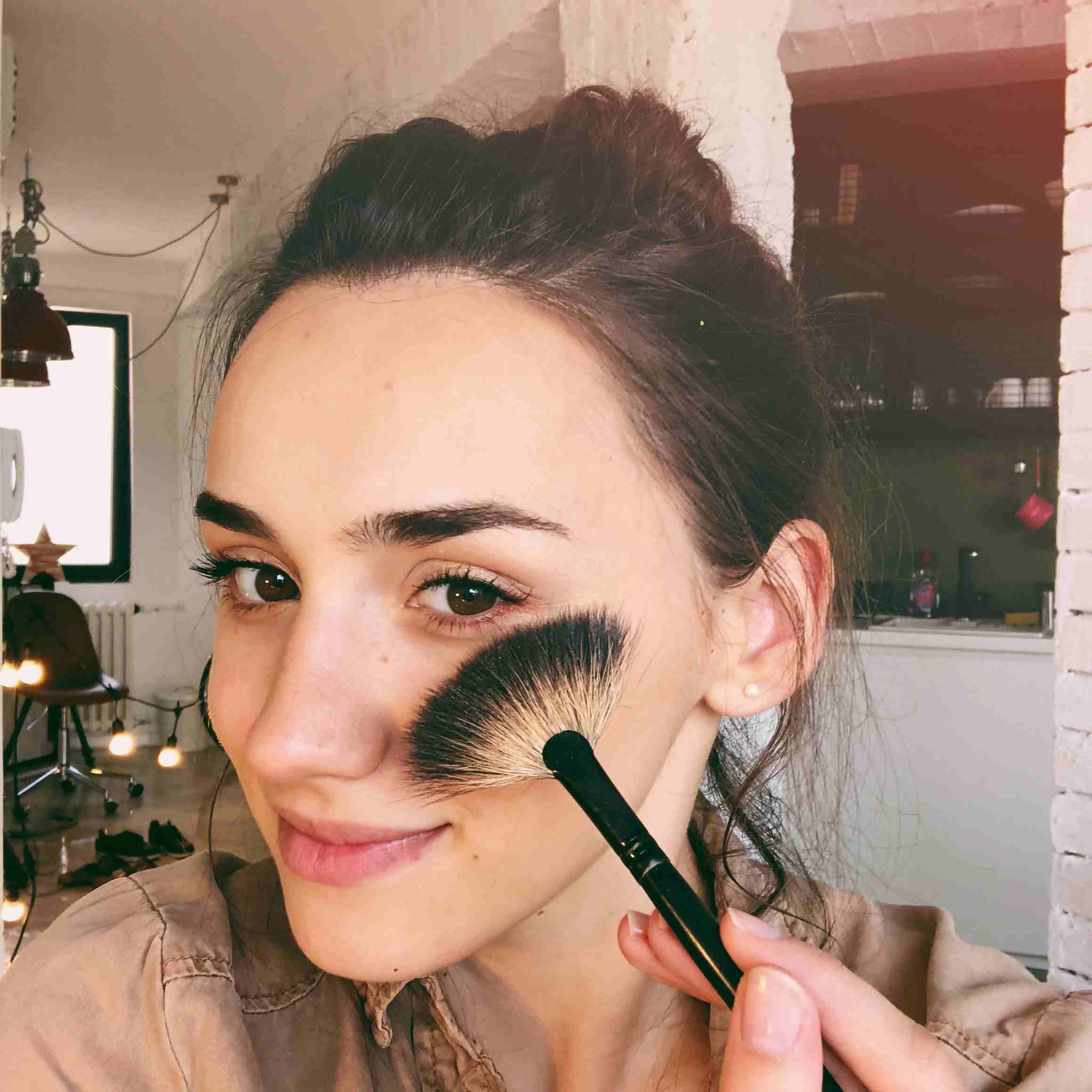 Easy Tips For Applying Mineral Makeup