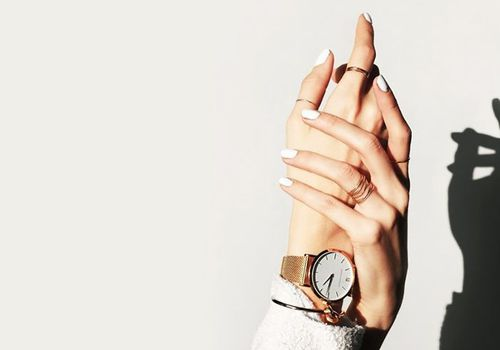 nails with watch