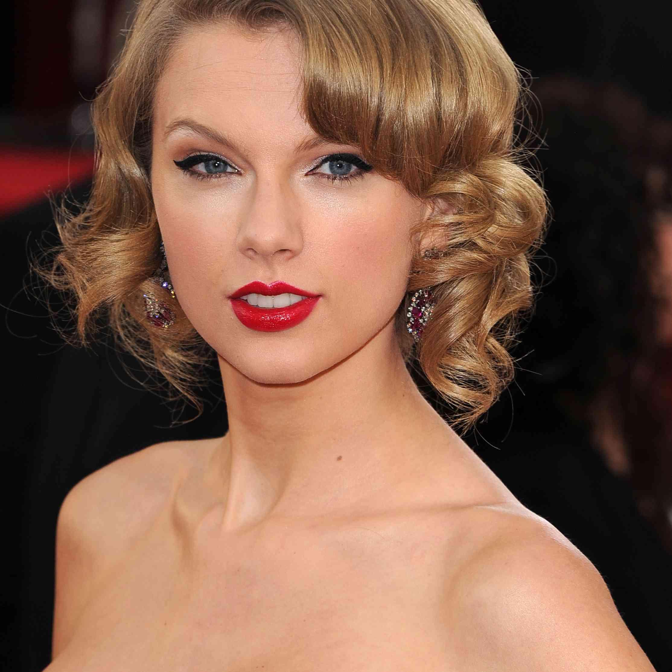 Taylor Swift's Short Bouncy Curls